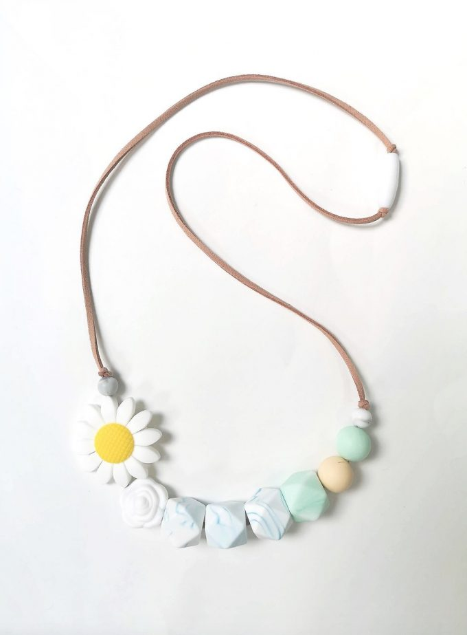 daisy mother & baby teething necklace - white
