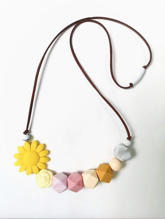 daisy mother & baby teething necklace - yellow