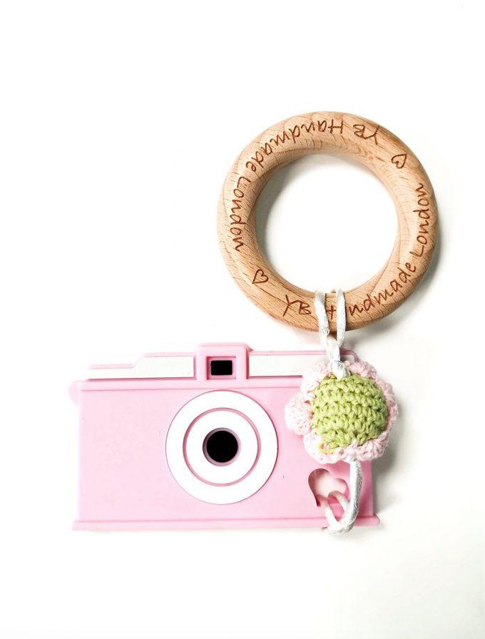 camera teething bracelet - flower pink