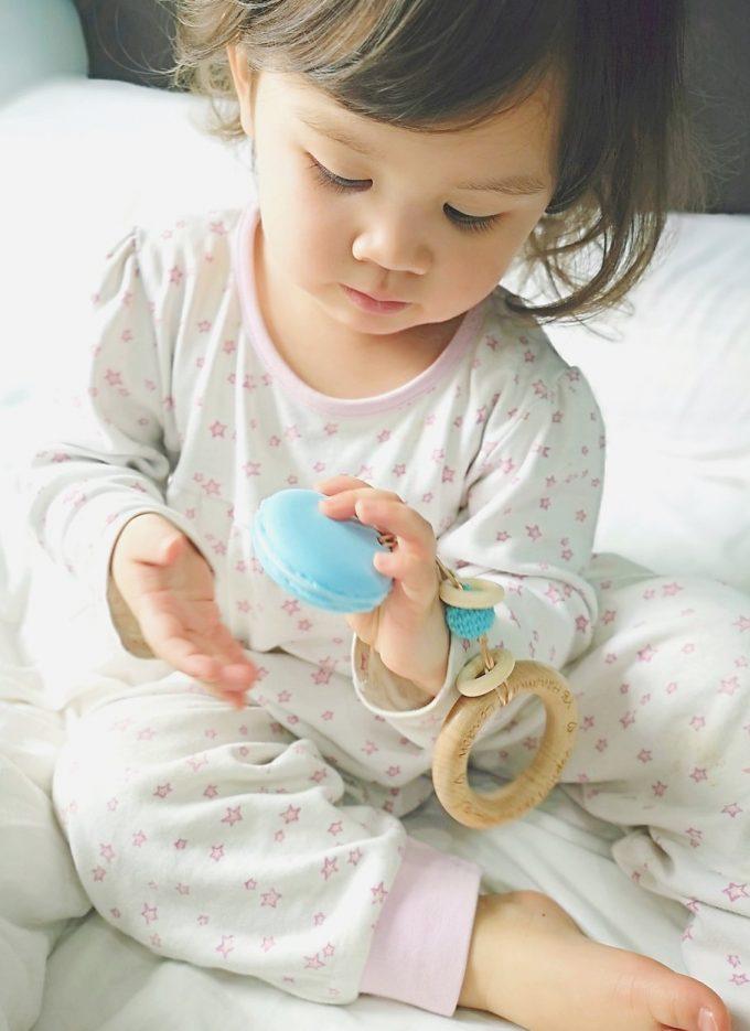 macaron teething bracelet - blue