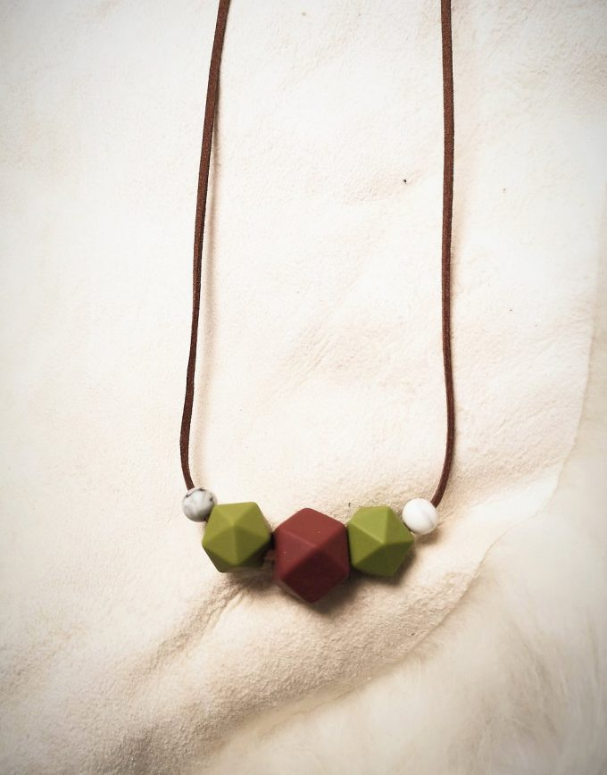 mother & baby teething necklace - rusted red, bean green